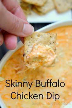 Love Buffalo Chicken Dip but hate how much fat and calories it has? Here is a skinny buffalo dip that taste like the orginal Love Buffalo Chicken Dip but hate how much fat and calories it has? Here is a skinny buffalo dip that taste like the orginal Buffalo Chicken Dips, Buffalo Chicken Dip Recipe, Chicken Recipes, Chicken Crafts, Buffalo Food, Easy Appetizer Recipes, Appetizer Dips, Appetizers For Party, Easy Healthy Appetizers