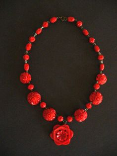 Art Deco carved floral Chinese Red Bakelite/Catalain/Phenolic Necklace