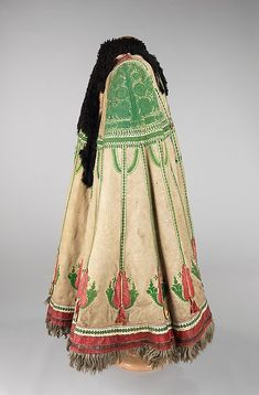 Cape (Suba) - Hungarian - 1840 to 1870 - Artstor Historical Costume, Historical Clothing, Folklore, Vintage Outfits, Vintage Fashion, Hungarian Embroidery, Textiles, Art Textile, Clothing And Textile