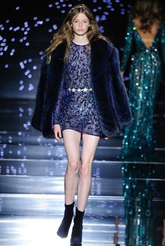 Shimmering couture Zuhair Murad princesses in detailed gowns and the occasional detailed jumpsuit. See the Zuhair Murad Haute Couture F/W 2015 show below: Style Haute Couture, Couture Looks, Couture Fashion, Runway Fashion, Fur Fashion, Fashion Week, High Fashion, Fashion Show, Fashion Outfits