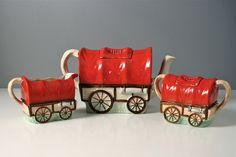 Sadler Vintage teapot set. Red Gypsy caravan covered wagon. Milk jug sugar bowl. Novelty Teapot.