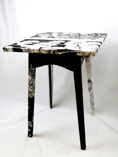 Black/cream Coogan's table