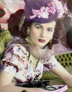 الأميرة الجميلة فوزية Princess Fawzya sister of late King Farouk of Egypt Fawzia Fuad Of Egypt, Royal Family History, The Shah Of Iran, Gatsby Girl, Poor Little Rich Girl, Colorized Photos, 50s Hairstyles, Old Egypt, Falling Kingdoms
