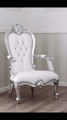 Comfy Chairs Pink - - Gray Accent Chairs For Living Room Videos - Royal Furniture, Victorian Furniture, My Furniture, Classic Furniture, Unique Furniture, Luxury Furniture, Bedroom Furniture, Furniture Design, Reupholster Furniture