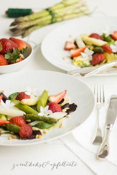 Spargel-Erdbeer-Salat mit Pinienkernen - Zimtkeks und Apfeltarte