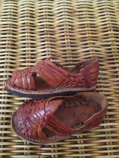 7eeaf01242e5 Vintage Caramel Brown Leather MEXICAN HUARACHES Woven Sandals Infant Baby  Shoes