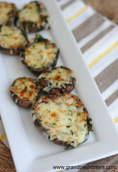 Meatless spinach and mozzarella baby portabella mushroom recipe vegetarian mushroom recipes Spinach Recipes, Veggie Recipes, Vegetarian Recipes, Cooking Recipes, Healthy Recipes, Keto Recipes, Easy Recipes, Chicken Recipes, Amazing Recipes