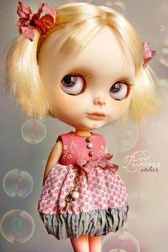 HIVER fleurs Vintage romantique robe de Ooak pour BLYTHE à la main de l'Atelier princesse impair, Shabby Chic, cousue, robe spéciale