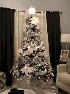 Here are the Silver And White Christmas Tree Decorations Ideas. This article about Silver And White Christmas Tree Decorations Ideas … Black Christmas Tree Decorations, Elegant Christmas Trees, Silver Christmas Tree, Christmas Tree Design, Noel Christmas, Simple Christmas, Beautiful Christmas, Holiday Tree, Christmas Colors