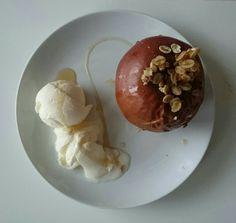 Oven Apple with icecream