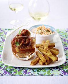 Unser beliebtes Rezept für Currywurst deluxe zu Pommes und Farmersalat und mehr als 55.000 weitere kostenlose Rezepte auf LECKER.de.