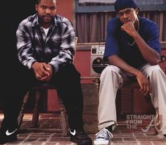 Still of O'Shea Jackson and Chris Tucker in Friday Chris Tucker Friday, Juri Gagarin, Friday Movie Quotes, John Witherspoon, Senegalese Twist Styles, Bernie Mac, Hip Hop, Pelo Afro, Music Pics