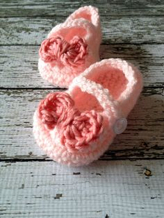 Mary Jane Baby Booties in Pale Pink and by mamamegsyarnshoppe, $16.00