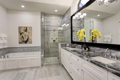 507 25th Houston, TX 77008: Photo Double sinks, separate tub and shower