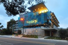 UCSD : Housing & Dining Services Administration Building | Photo © Darren Bradley