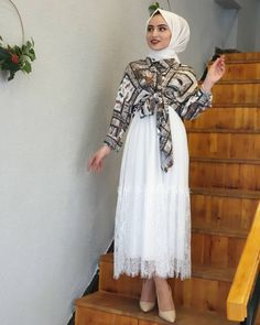 The image may contain: 1 person, standing graduation outfit graduation outfit ideas gradu. Modern Hijab Fashion, Muslim Fashion, Modest Fashion, Fashion Dresses, Hijab Outfit, Dress Outfits, Casual Dresses, Dress Up, Most Beautiful Dresses