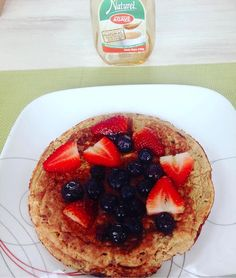 Repost from @crisstinasalazar @TopRankRepost #TopRankRepost Pancake de claras con harina de almendras y frutos rojos para comenzar el día acompañado de Naturel #naturel#agave#estilodevida#saludable#organico#natural#freegluten by alimentos_sostenibles March 30 2016 at 06:38AM