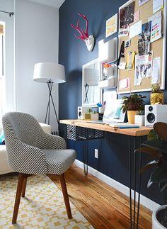 O home office dos sonhos. Veja: http://casadevalentina.com.br/blog/detalhes/o-home-office-dos-sonhos!-2886 #details #interior #design #decoracao #detalhes #decor #home #casa #design #idea #ideia #charm #charme #casadevalentina #homeoffice #office #escritorio