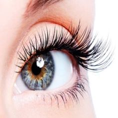 5 Home Remedies To Grow Longer And Thicker Eyelashes