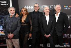 Jeff Goldblum, Judd Hirsch, Roland Emmerich, Vivica Fox, Bill Pullman à l'avant-première de Independence Day - Resurgence