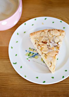 Swedish Visiting Cake - You can make this cake and have it in the oven in 10 minutes, no creaming needed. Simple vanilla and almond cake that is so delicious with a cup of coffee or tea. Swedish Recipes, Sweet Recipes, Cake Recipes, Dessert Recipes, Norwegian Recipes, Yummy Recipes, Decadent Cakes, Food Garnishes, Almond Cakes