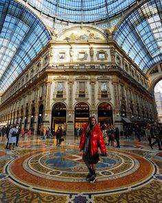 Louvre, Building, Travel, Places To Visit, Viajes, Buildings, Trips, Traveling, Tourism