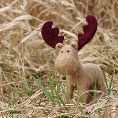ahh! :)  Needle felt moose