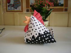 galinha feita em foundition by Silmara Patchs, via Flickr