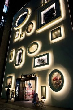 What a display! Neon circles and rectangles on the facade of the Francfranc store in Nagoya, Japan - Photography by Photo Atelier Ryunoshin Nagoya, Home Interior, Interior And Exterior, Interior Decorating, Interior Goods, Decorating Games, Interior Ideas, Facade Design, Architecture Design