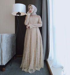 Dress Brokat Muslim, Dress Brokat Modern, Gaun Dress, Dress Brukat, Hijab Dress Party, Dress Pesta, Muslim Dress, Dress Outfits, Model Kebaya Muslim