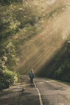 Travel alone photography walks 35 ideas for 2019 Alone Photography, Portrait Photography, Nature Photography, Travel Photography, Jolie Photo, Adventure Is Out There, Beautiful Places, Scenery, In This Moment