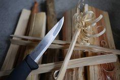 キャンプ用ナイフ :LIGHT MY FIRE(ライトマイファイヤー) Swedish Fire Knife Black: thp_blog