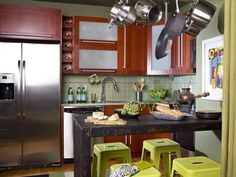 32 Magnificient Small Kitchen Design Ideas For Small Home, The plan is truly cool. Kitchen design is continuously evolving and changing. If it comes to small kitchen design, don't feel just like you're stuck w. Small Kitchen Cabinet Design, Kitchen Cupboard Designs, Small Kitchen Tables, Small Kitchen Cabinets, Small Space Kitchen, Small Spaces, Kitchen Island, Kitchen Backsplash, Kitchen Appliances