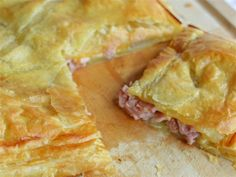 This Ham and Cheese Puff Pastry Bake is the perfect way to use your leftover ham. Ham, cheese, pastry and a delicious mustard dipping sauce! Phyllo Dough Recipes, Puff Pastry Recipes, Appetizer Recipes, Puff Pastries, Best Brunch Recipes, Favorite Recipes, Leftover Ham Recipes, Easter Recipes, Easter Food