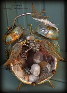 Jan's Arty Junk: CCC 3 - Challenge 10...Assemblage Clock