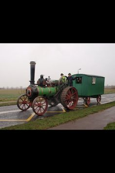 The Wallis with the living wagon Traction Engines