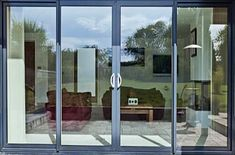 Sliding Aluminum Patio Doors - Homeowners enjoy creating simple illusions within their homes. Closet doors are great props Double Sliding Patio Doors, Double Sliding Glass Doors, Sliding Door Design, Main Door Design, Front Doors, Aluminium Glass Door, Aluminium French Doors, Aluminium Sliding Doors, Door Alternatives
