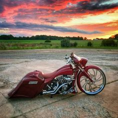 harley davidson street and trail bike Harley Bagger, Bagger Motorcycle, Harley Davidson Chopper, Harley Bikes, Harley Davidson Street Glide, Harley Davidson Motorcycles, Hd Street Glide, Road Glide, Motorcycle Photography