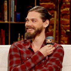 Tom Payne holding holding his Jesus Funko Pop Talking To The Dead, Fear The Walking Dead, Tom Payne Actor, Funko Pop, Tom Tom Club, Dead Still, Abraham Ford, Prodigal Son, Dead Inside