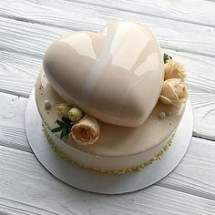 Have Delicious perfect Cake Fancy Desserts, Fancy Cakes, Just Desserts, Cupcakes, Cupcake Cakes, Mini Cakes, Beautiful Cakes, Amazing Cakes, Cake Packaging