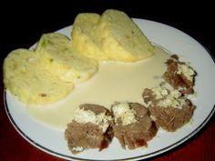 Když se na křenovou omáčku použijí poctivé suroviny a přípravě se věnuje čas a patřiční péče, dostane pokrm charakter málem až svátečního jídla. A to přesto, že vlastně jen doplňuje levné přední hovězí maso a obyčejný houskový knedlík. (y) A tady je můj nejoblíbenější recept. Mashed Potatoes, Eggs, Menu, Yummy Food, Baking, Breakfast, Ethnic Recipes, Whipped Potatoes, Menu Board Design