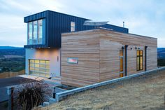 Chris Pardo Design: Elemental Architecture latest prefab/modular home for Method Homes was completed in less than 4 months in Sonoma, California.