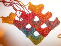 Knitting half domino squares