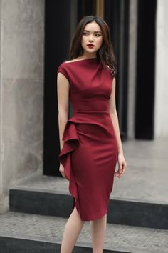 Little maroon dress, classy and fitting. Trendy Dresses, Simple Dresses, Cute Dresses, Beautiful Dresses, Casual Dresses, Fashion Dresses, Classy Short Dresses, Casual Shoes, Red Dress Casual