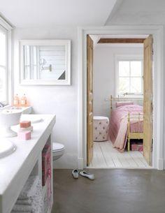 $5 You Go Girl will keep any bathroom smelling fresh! #bathrooms #fresh #stayclean #restrooms http://www.indiegogo.com/ygg-prelieve