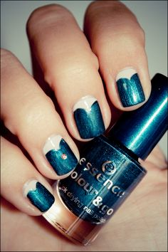 ESSENCE_In style-1. Love the teal color.