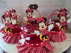 23 Clever DIY Christmas Decoration Ideas By Crafty Panda Minie Mouse Party, Minnie Mouse Theme Party, Mickey Party, Mickey Mouse Birthday, Mouse Parties, Mini Mouse, Baby Mouse, Disney Crafts, Ideas