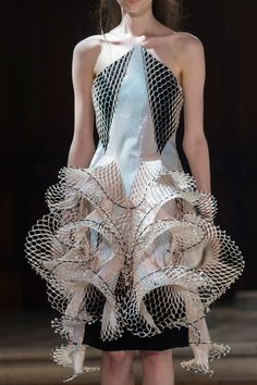 Sculptural Fashion - 3D dress with intricate symmetry; wearable art; innovative fashion design // Iris van Herpen Fall 2016
