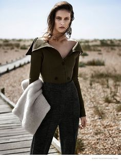 The Sunday Telegraph Magazine September model: charlotte wiggins photographer: zoltan tombor . Celine, Images Instagram, Fashion Gone Rouge, Go Outdoors, Style Snaps, Girl Falling, Celebrity Look, Autumn Winter Fashion, Winter Style