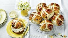 This Mary Berry Hot Cross Buns Recipe is from BBC Food and is legendary. We have the video tutorial to show you how. View now. Cross Buns Recipe, Bun Recipe, British Baking, British Bake Off, Mary Berry, Crumpets, Kos, Easter Recipes, Tray Bakes